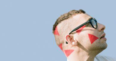 Bleachers'ın ilk albümü Strange Desire, Deezer üzerinden dinlenebiliyor