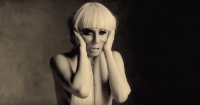 """""""American Horror Story"""" ekibi, Lady Gaga'nın yeni sezon performansına övgüler yağdırdı"""