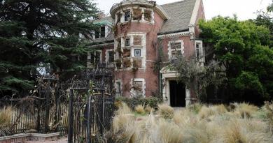 """""""American Horror Story: Hotel"""", dizinin ilk sezonuyla ilişkili olacak"""