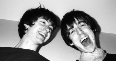"""İkinci """"The Last Shadow Puppets"""" albümü için kayıtlar tamamlandı"""