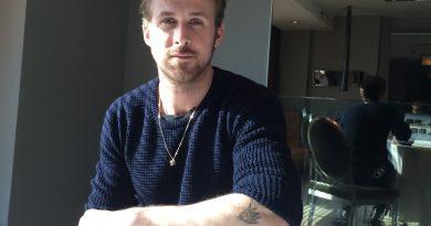 "Ryan Gosling, ""First Man"" filminde Neil Armstrong'u canlandıracak"