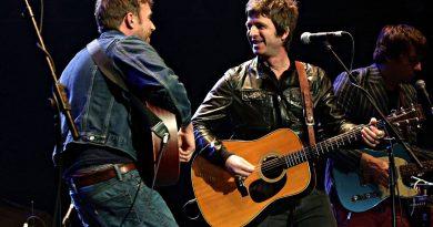 Paul Simonon'un doğum günü şerefine Damon Albarn ve Noel Gallagher aynı sahnede!