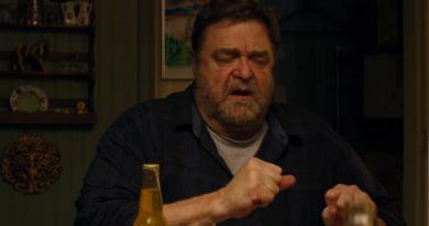"""Yapımcılığını J.J. Abrams'in üstlendiği """"10 Cloverfield Lane""""den ilk fragman"""