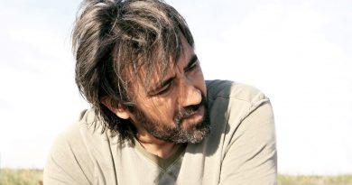 """İstanbul Modern'in """"Yönetmenlerle Buluşma"""" serisinde sıradaki konuk Zeki Demirkubuz"""