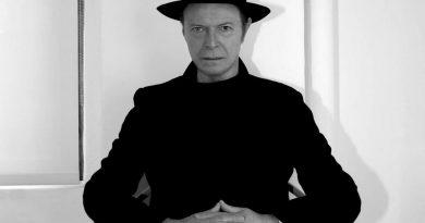 Günün şarkısı: David Bowie – Blackstar