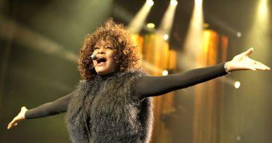 BBC 2'dan Whitney Houston belgeseli geliyor
