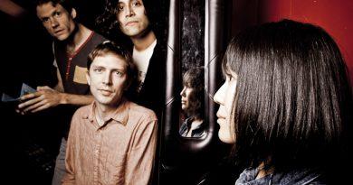 Günün şarkısı: Deerhoof – Plastic Thrills