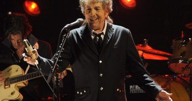 """Yeni Bob Dylan albümünden bir Frank Sinatra yorumu: """"Melancholy Mood"""""""