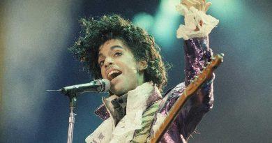 Günün şarkısı: Prince – Controversy