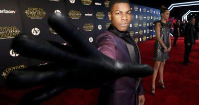 """John Boyega'dan yeni """"Star Wars"""" filmi hakkında heyecan verici açıklamalar"""