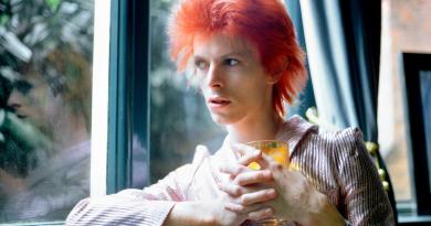 Günün şarkısı: David Bowie – Soul Love