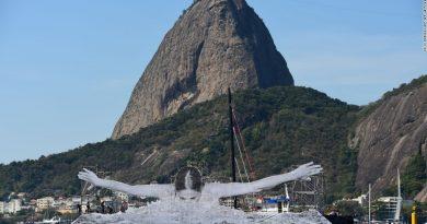 JR'dan Rio Olimpiyatları'na özel harika fotoğraf yerleştirmeleri