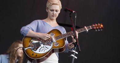 Laura Marling, müzik sektöründe kadınların yerini bir projeyle masaya yatırıyor