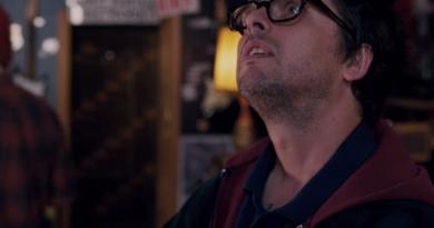 """Green Day solisti Billie Joe Armstrong'un başrolünde yer aldığı """"Ordinary World""""den ilk görüntüler"""