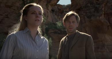 """Yeni HBO dizisi """"Westworld""""ü yapımcıları ve oyuncularından dinleyin"""