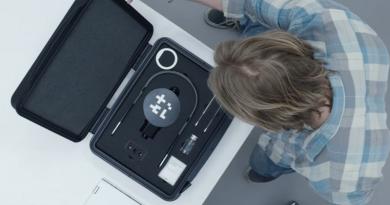 """""""Black Mirror""""ın yeni sezonundan iki bölümü yaratıcısından dinleyin"""