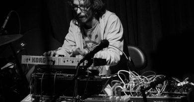 """Demonation'dan önce, """"Voltage Controlled Music"""" ve ilk konseri üzerine: Tunç Çakır"""
