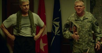 """Brad Pitt'in başrolünde yer aldığı Netflix filmi """"War Machine""""den kısa bir sahne"""