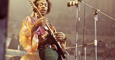 Günün şarkısı: Jimi Hendrix – All Along The Watchtower