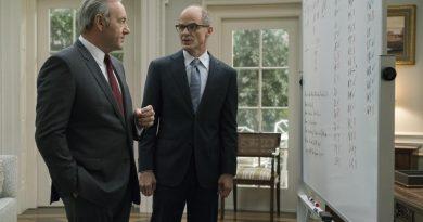 """Netflix, """"House of Cards"""" spin-off dizisi için çalışmalara başladı"""