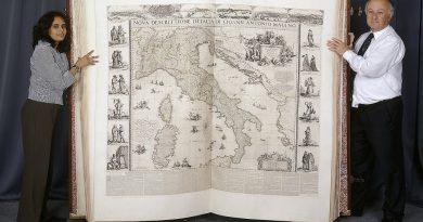 """Dünyanın en büyük atlası """"Klencke Atlas"""", şimdi dijital olarak incelenebiliyor"""