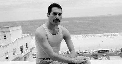Günün şarkısı: Queen – Play The Game