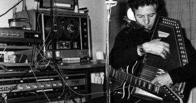 Günün şarkısı: Gökçen Kaynatan ve Elektronikleri – Sihirbaz