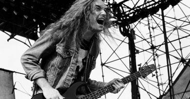 """Metallica, 10 Şubat'ı """"Cliff Burton Günü"""" ilan etti"""