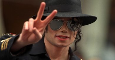 """The Last Days of Michael Jackson"" belgeselinden fragman"