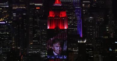 """Michael Moore'un hedefinde Trump var: """"Fahrenheit 11/9"""""""