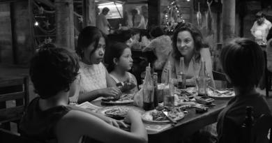 """Alfonso Cuarón'un Netflix filmi """"ROMA""""dan etkileyici bir fragman"""