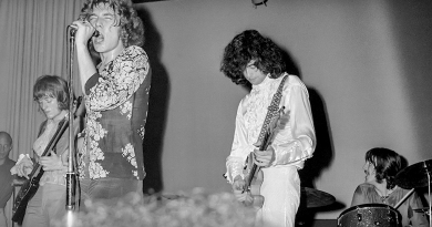 Led Zeppelin'in 50. yılı şerefine kapsamlı bir fotoğraf kitabı geliyor