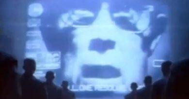 """Ridley Scott'tan 1984 yapımı reklam filmi: """"Apple Mac 1984"""""""
