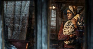 """Emin Alper'in Altın Ayı için yarışacak son filmi """"Kız Kardeşler""""den yeni görüntüler yayınlandı"""