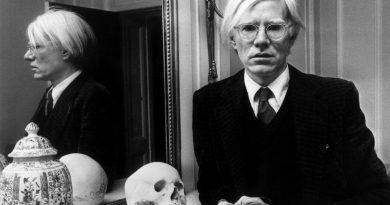 Andy Warhol'un 121 çizimi New York'ta sergileniyor
