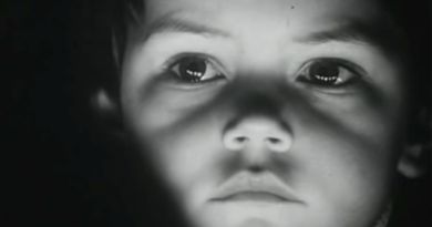 """Çocukların yüzünde duygu seli: """"Ten Minutes Older"""""""
