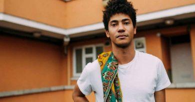 Ne dinlesek?: Skinny Pelembe – I Just Wanna Be Your Prisoner