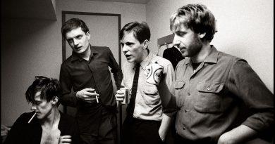 """40. yıl dönümünde, 5 farklı yorumuyla Joy Division klasiği """"Transmission"""""""