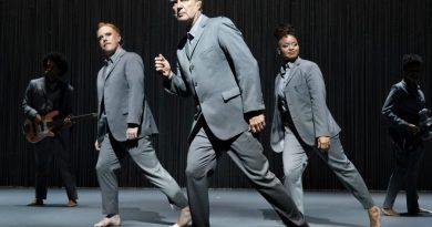 """David Byrne'ün """"American Utopia"""" müzikalinin film uyarlaması yolda"""