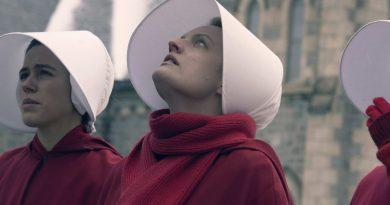 """NBC ve Netflix yapımlarının ardından """"The Handmaid's Tale""""in de çekimleri durduruldu"""
