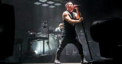 Nine Inch Nails'dan iki albüm birden