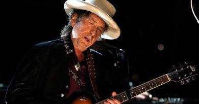 """Bob Dylan'dan mucizevi bir kişisel teşhir: """"I Contain Multitudes"""""""