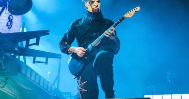 Slipknot gitaristi Jim Root'tan solo proje sinyalleri