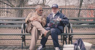 """New York'un """"güzelliğini yakalayan"""" sokak fotoğrafçısı Ricky Powell üzerine bir belgesel"""