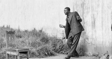 """Eşitsizliğin gündelik yaşamdaki derin izleri: David Goldblatt'ın """"Johannesburg""""u"""