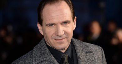 Ralph Fiennes, COVID-19 temalı tiyatro oyununda