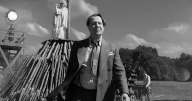 """David Fincher'ın altı yılın ardından çektiği ilk film """"Mank""""ten görseller"""