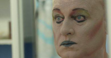 """Yaşını almış üç drag queen'in portresi: """"Beautiful by Night"""""""