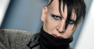 """""""Tacizcimin adı Brian Warner, ya da herkesçe bilinen ismiyle Marilyn Manson."""""""