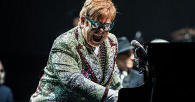 Bir Elton John – Metallica ortaklığı
